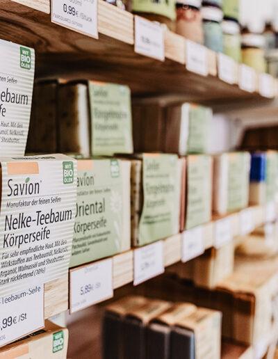 losgeloest-unverpackt-bioladen-sortiment-seifen